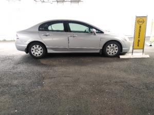 Honda Civic sedan 1.8 LXi automatic - Image 3