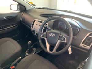 Hyundai i10 1.2 GLS - Image 5
