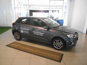 Hyundai i20 1.4 Fluid auto - Image 2