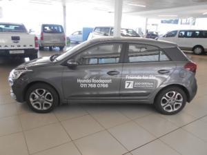 Hyundai i20 1.4 Fluid auto - Image 5