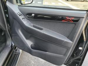 Isuzu D-Max 250 double cab X-Rider auto - Image 11