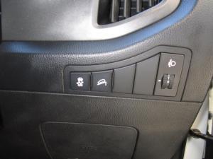 Kia Sportage 2.0 auto - Image 11