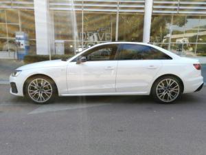 Audi A4 2.0T FSI S Line Stronic - Image 9