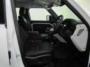 Land Rover Defender 110 D240 SE - Image 11