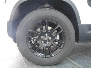 Land Rover Defender 110 D240 SE - Image 6