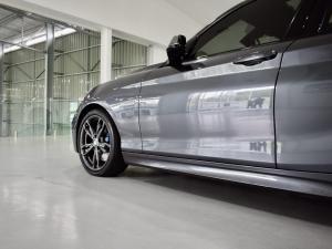 BMW 1 Series M140i 5-door Edition Shadow sports-auto - Image 3
