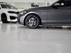 BMW 1 Series M140i 5-door Edition Shadow sports-auto - Image 4