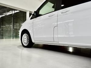 Mercedes-Benz V-Class V250 BlueTec - Image 2