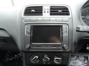 Volkswagen Polo sedan 1.4 Comfortline - Image 12