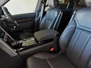 Land Rover Discovery 3.0 TD6 HSE - Image 20