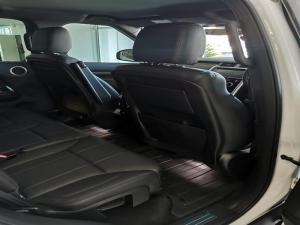 Land Rover Discovery 3.0 TD6 HSE - Image 8