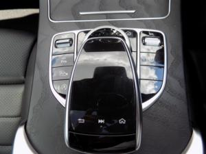 Mercedes-Benz C300 Coupe automatic - Image 3