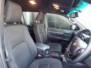 Toyota Hilux 2.8GD-6 double cab Legend auto - Image 5