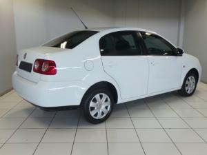 Volkswagen Polo Vivo sedan 1.4 Trendline auto - Image 4
