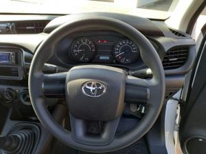 Toyota Hilux 2.0 S (aircon) - Image 7