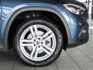 Mercedes-Benz GLA 200 automatic - Image 2