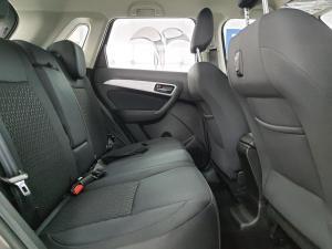 Suzuki Vitara Brezza 1.5 GLX - Image 8