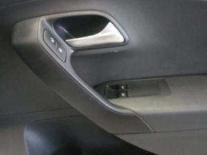 Volkswagen Polo Vivo sedan 1.4 Trendline - Image 14