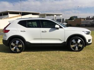 Volvo XC40 D4 Momentum AWD Geartronic - Image 3