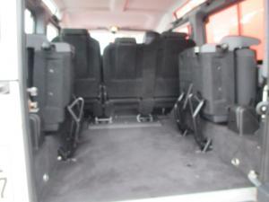Land Rover Defender 110 TD multi-purpose S - Image 11