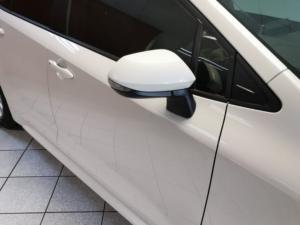 Toyota Corolla 1.8 XS - Image 2