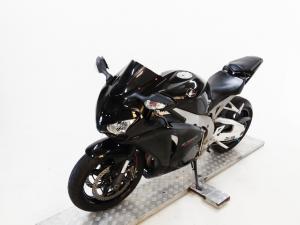 Honda CBR 1000 RR Fireblade - Image 3