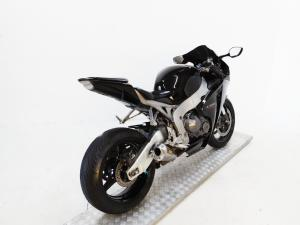 Honda CBR 1000 RR Fireblade - Image 6