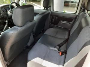 Nissan NP300 Hardbody 2.4 double cab Hi-rider - Image 11