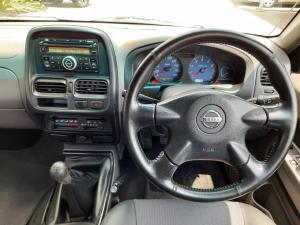 Nissan NP300 Hardbody 2.4 double cab Hi-rider - Image 12