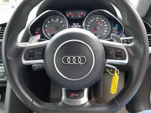 Audi R8 4.2 quattro - Image 14