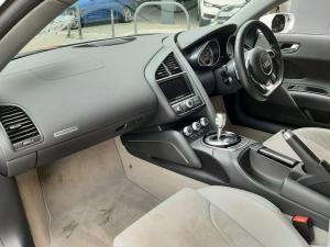Audi R8 4.2 quattro - Image 6