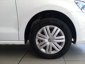 Volkswagen Polo sedan 1.4 Trendline - Image 18