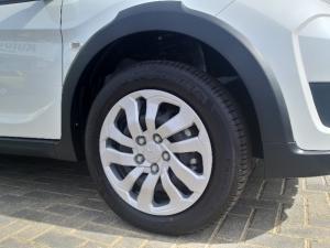 Honda BR-V 1.5 Trend - Image 17