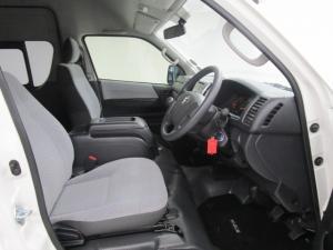 Toyota Quantum Hiace 2.5 D-4D 14 Seat - Image 7