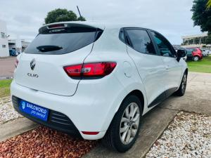 Renault Clio IV 1.2T Expression EDC 5-Door - Image 5