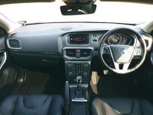 Volvo V40 CC T5 Inscription Geartronic AWD - Image 6