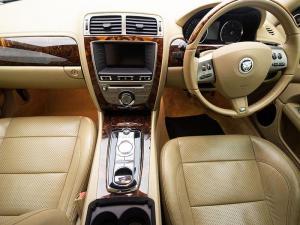Jaguar XKR Coupe - Image 12