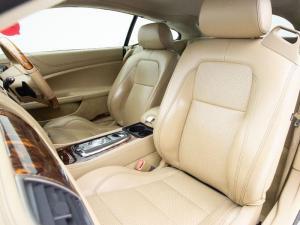 Jaguar XKR Coupe - Image 9
