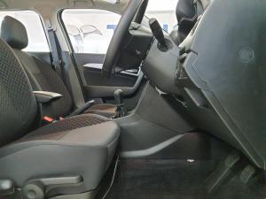 Suzuki Vitara Brezza 1.5 GLX - Image 7