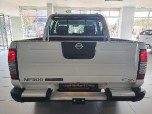 Nissan Hardbody NP300 2.5 TDi HI-RIDERD/C - Image 6