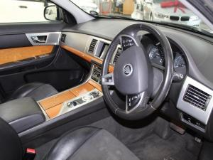 Jaguar XF 2.2 D Premium LUX - Image 10