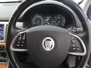 Jaguar XF 2.2 D Premium LUX - Image 11