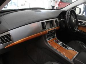 Jaguar XF 2.2 D Premium LUX - Image 4