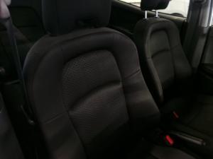 Honda BR-V 1.5 Comfort - Image 11