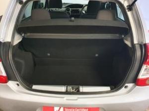 Toyota Etios hatch 1.5 Xi - Image 17
