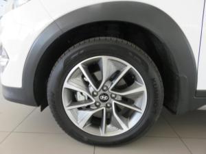 Hyundai Tucson 2.0 Crdi Elite automatic - Image 2