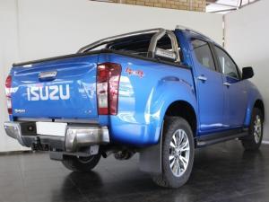 Isuzu D-Max 300 3.0TD double cab 4x4 LX auto - Image 3