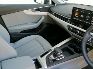 Audi A4 2.0T FSI Advanced Stronic - Image 4