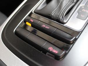 Audi A4 3.0 TDI Quattro Stronic - Image 12