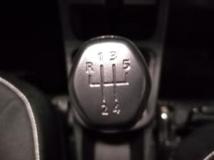 Renault Kwid 1.0 Expression - Image 11